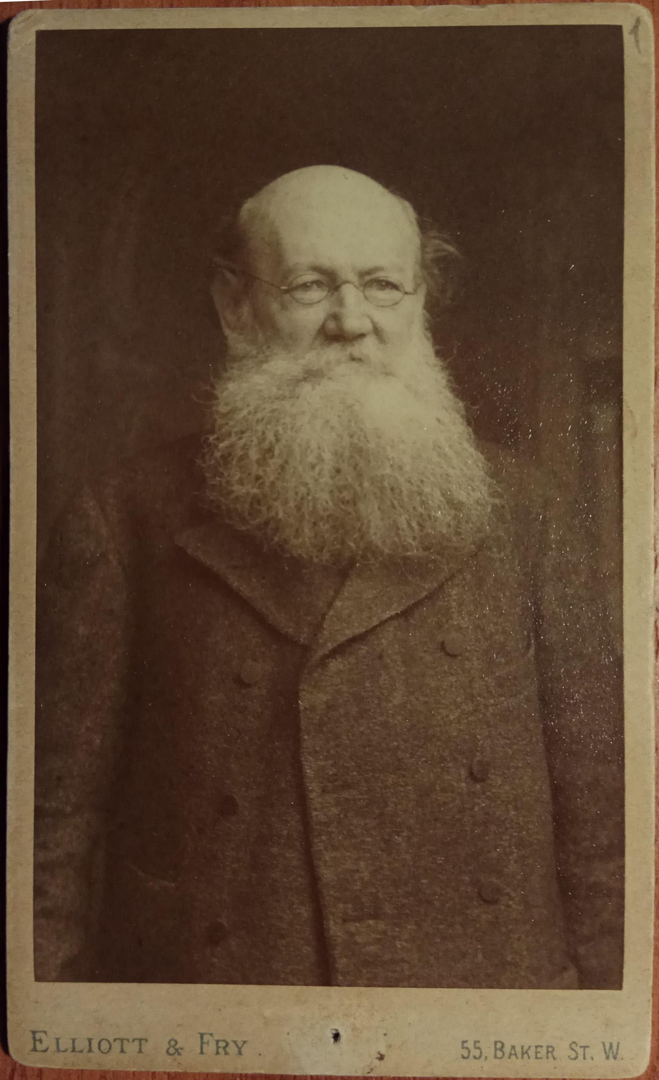 Фотография П.А.Кропоткина в Англии (фотосалон на Бейкер стрит)